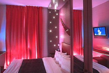 Reserva de hotel hoteles francia par s 05 five for Chambre hotel romantique