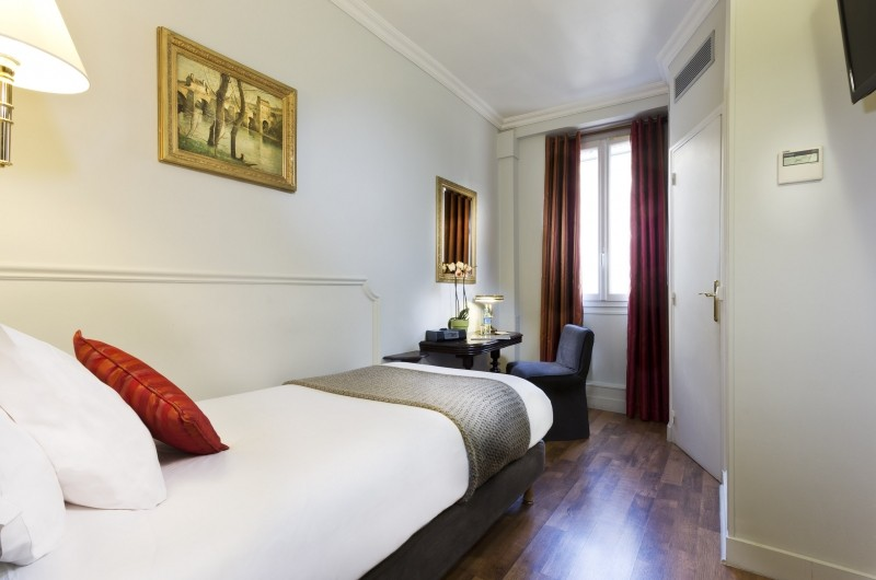 The Hotel De La Porte Doree Adopted The Green Attitude! This Charming  3 Star Hotel Situated In The 12th District Will Seduce A Clientele Worried  About The ...