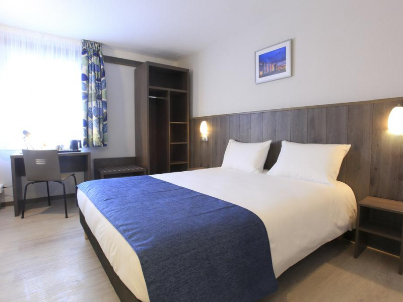 The Brit Hotel Calais Is Located In City Centre Of And Offers 66 Rooms They Are All Well Equipped For A Pleasant Stay Private Bathroom